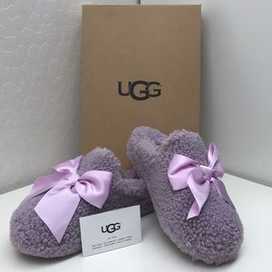 NWT - UGG Addison Slippers